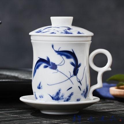 创意带盖茶水